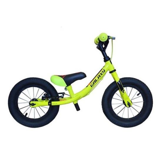 Rowerek biegowy Kosmik pompowane opony kolor zielony, hamulce
